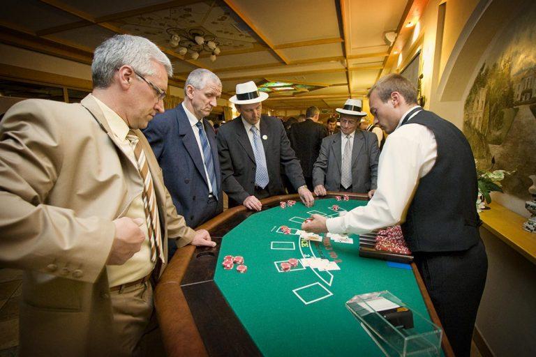Zabawa w kasyno, kasyno wynajem, stoły kasynowe, black jack