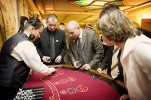 stoły do zabawy w kasyno, kości, kasyno wynajem