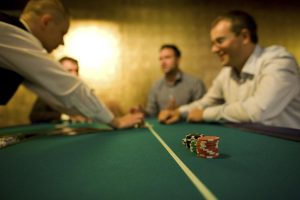 Zabawa w kasyno, kasyno wynajem, stoły kasynowe, poker texas holdem